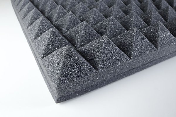 Acoustic foam Pyramid PUR 60 with heavy layer