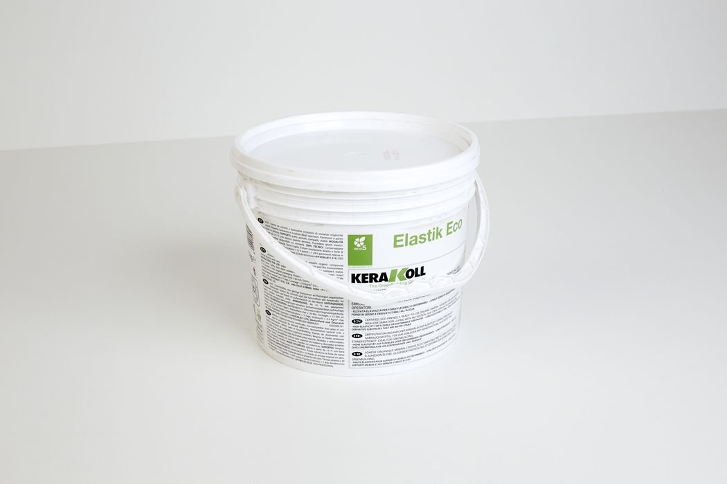 Adhesive for the installation of acoustic foam